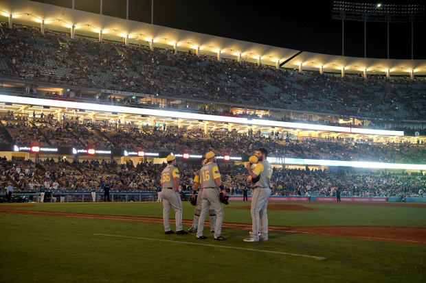 The Power Went Out at Dodgers Stadium Then the Dodgers Immediately Walked Off